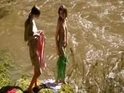 Две девчушки на речушке лижут скользкие письки - RussiaPorno.net